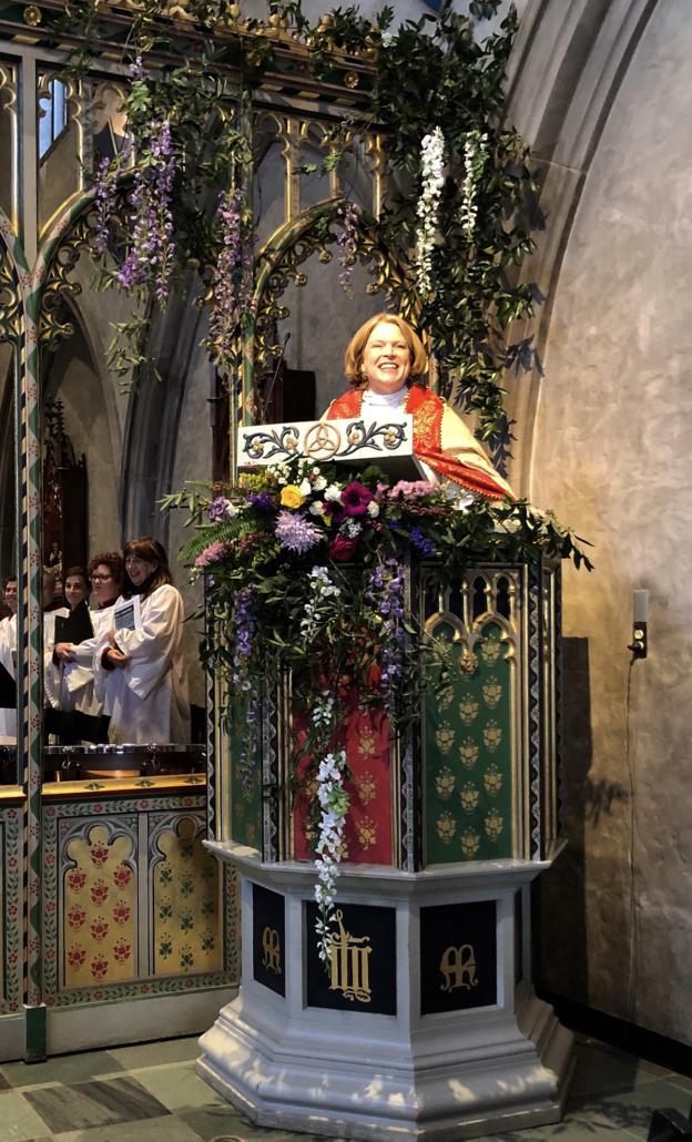 Julia preaching