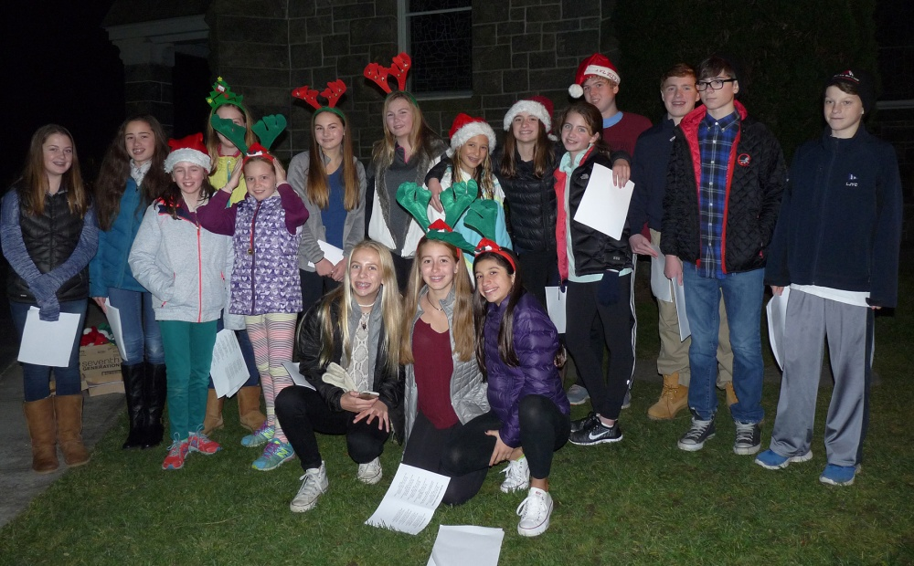 Voyagers Caroling 2015 small